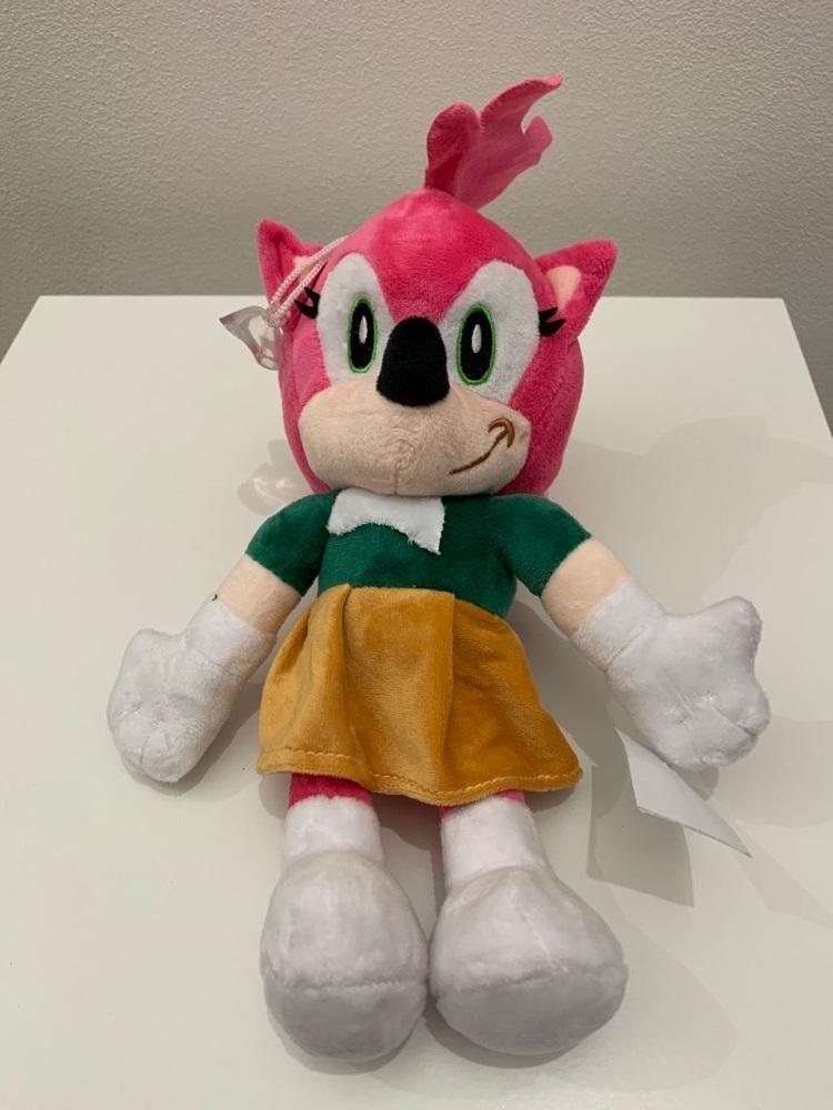 Plyšová Amy Rose z Dobrodružství Ježka Sonica