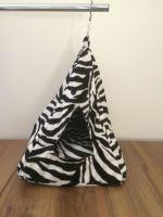 Rajen závěsné iglú motiv zebra (velké)
