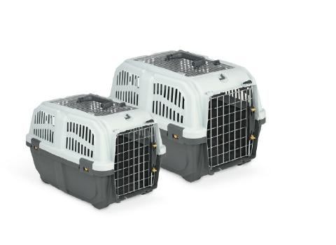 Přepravky Skudo jsou ideálními cestovními přepravkami. Hodí se pro přepravu Vašich psích mazlíčků například vlakem, autem nebo i letadlem. Dvířka přepravky mají bezpečnostní zavírání a splňuje požadavky IATA (mezinárodní asociace leteckých dopravců).